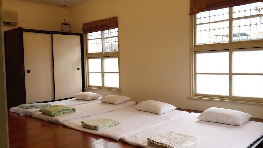 wood flooring in lieu of straw mats(tatami)