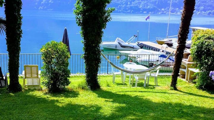 House Le Palme directly on the Lake Lugano