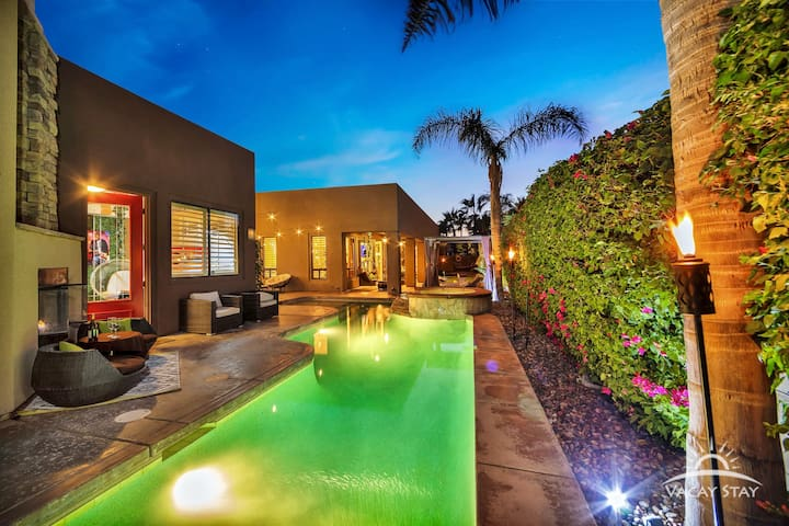Large lap pool and separate cassita /guest house for privacy