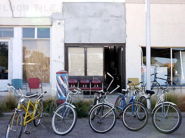 Old Charlie's Barber Shop