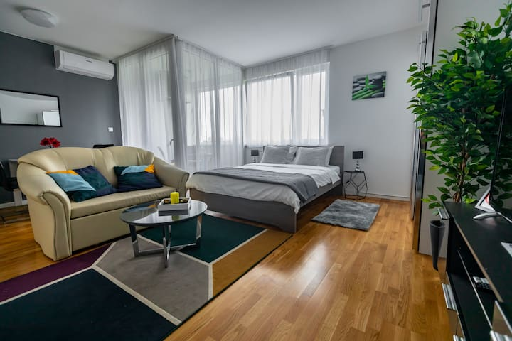 "New Studio apartment ""Hypnos"", Zagreb, 4 stars"