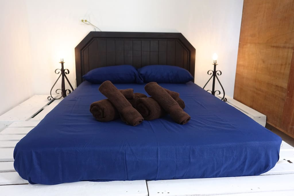Your clean, comfy pallet bed