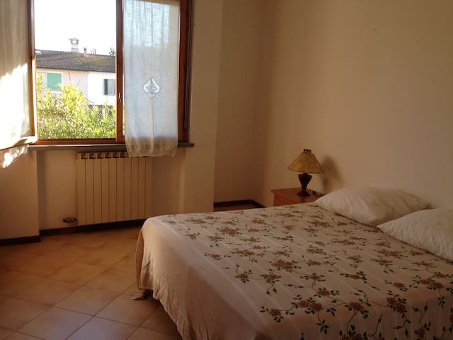 Flat between lake and sea - Torre del Lago - Daire