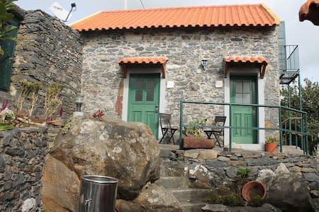 Casa Palheiro @ Quinta São Lourenço - Fajã da Ovelha - Casa de camp