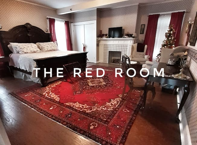The Charlotte Bed and Breakfast - #2 Red Room