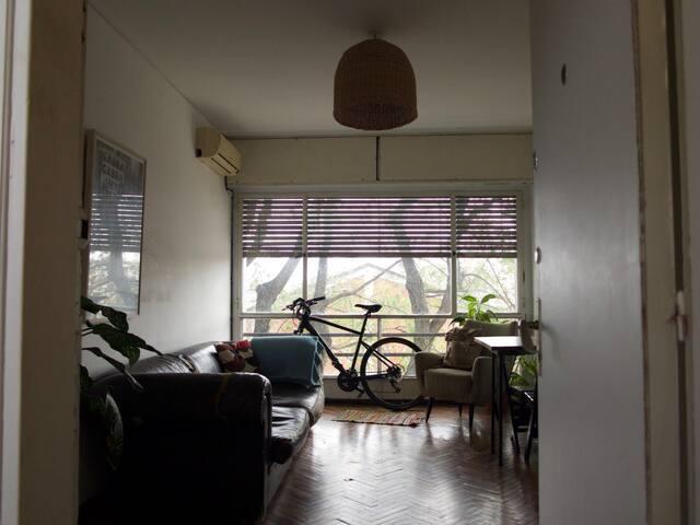 Apartamento entero cerca del Mam y de avenidas .