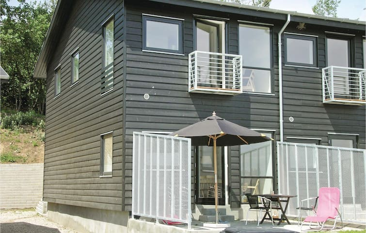 Terraced house with 2 bedrooms on 110m² in Martofte