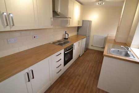3 Bed House sleeps up to 10, Durham 18 mins by car