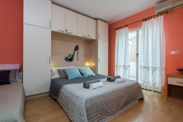 Albert - Standard 1 Bedroom Apartment with Balcony