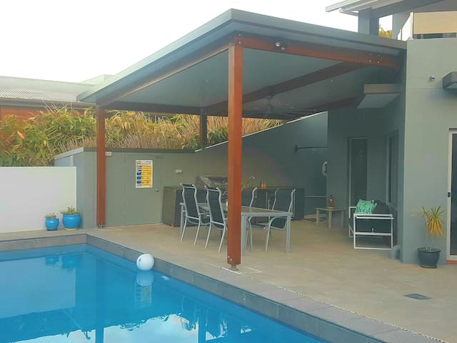 Private Pool House @ Korora on Coffs Nthn Beaches!