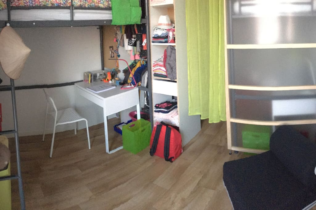 chambre 2, lit 1 / Room 2, bed 1