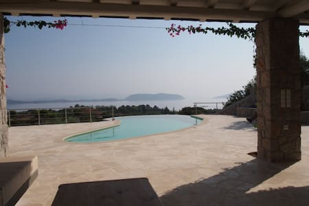 The Spa: Luxury villa, pool, spectacular sea views - Aghios Emilianos - Ev