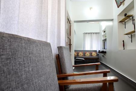 Laila's service apartment (Thripunithura, cochin )