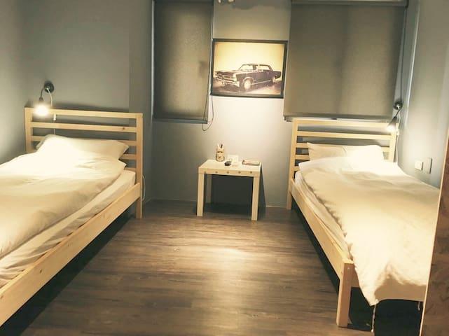 《西門町小鐵》Comfy 2pax @Ximen MRT 3min - 萬華區 - Bed & Breakfast