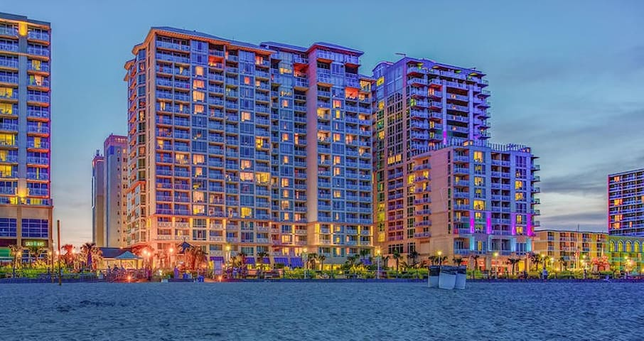 1BDRM Suite on Virginia Beach