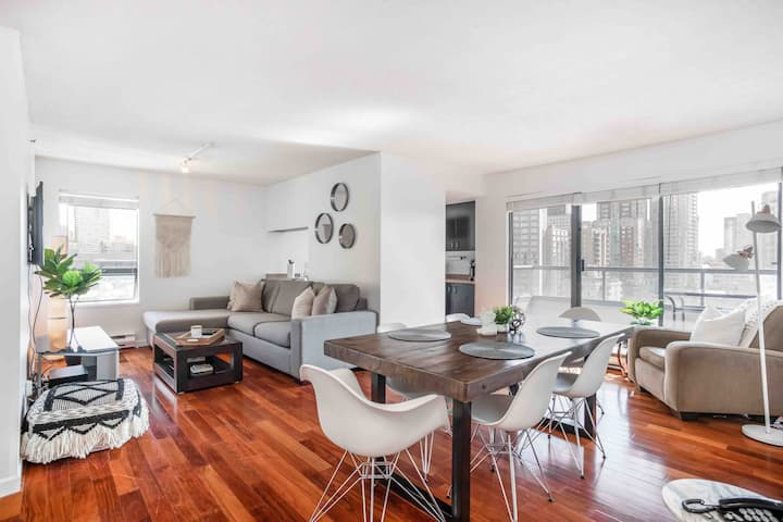 Amazing Updated West End Condo - w/ Parking!