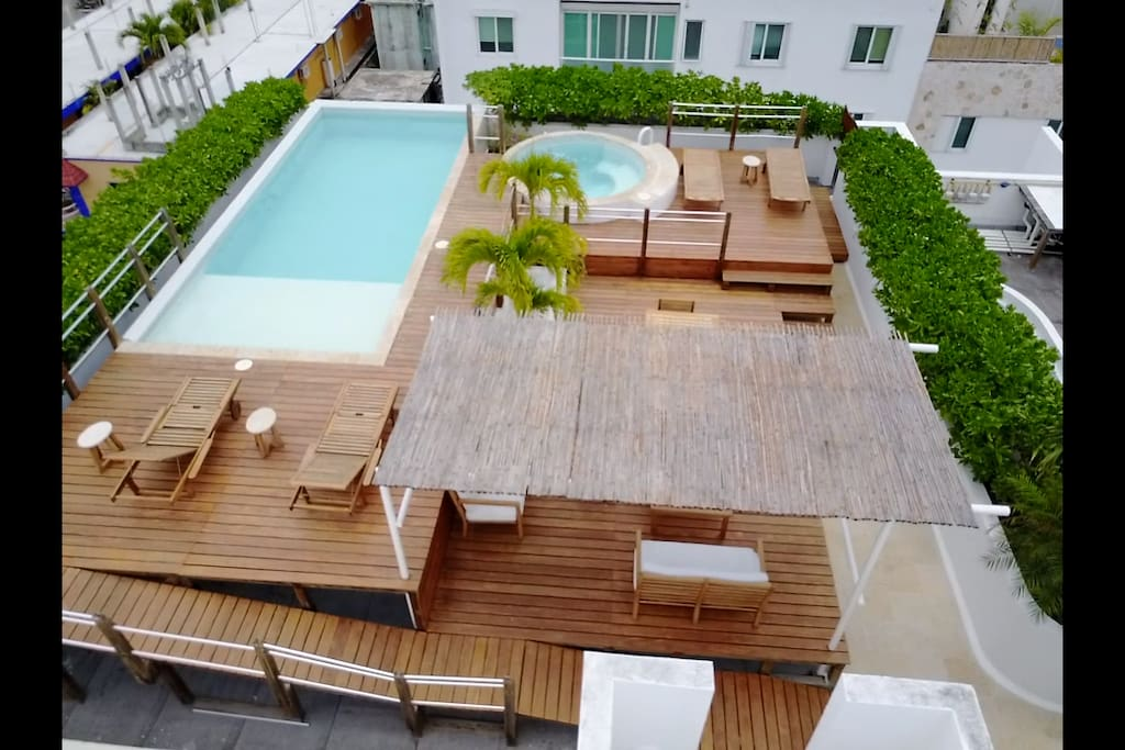 Property in Playa is expensive.  Some condos are packed in between buildings and the pools will only get some part of the day.  So its important to have a rooftop pool so you can enjoy the sun any time of the day.