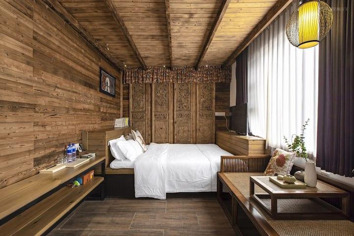 深圳古城|花庭大床房|原木装修|榻榻米风格|精致旅游生活|独享茶椅|享两份精美早餐|送欢迎水果