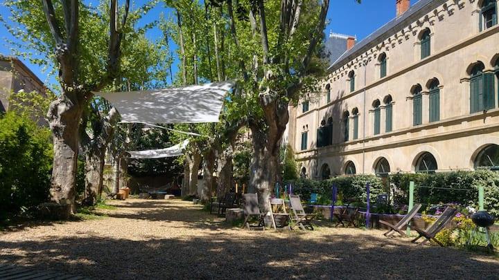 Gîtes Couvent des Ursulines, Jardin et Piscine.