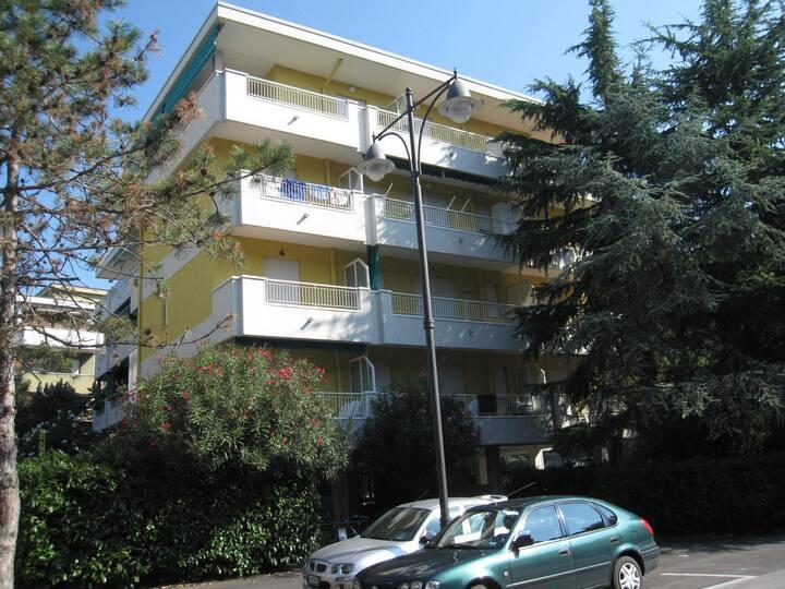 Appartamento a 250 metri dalla Spiaggia -TV-Airco
