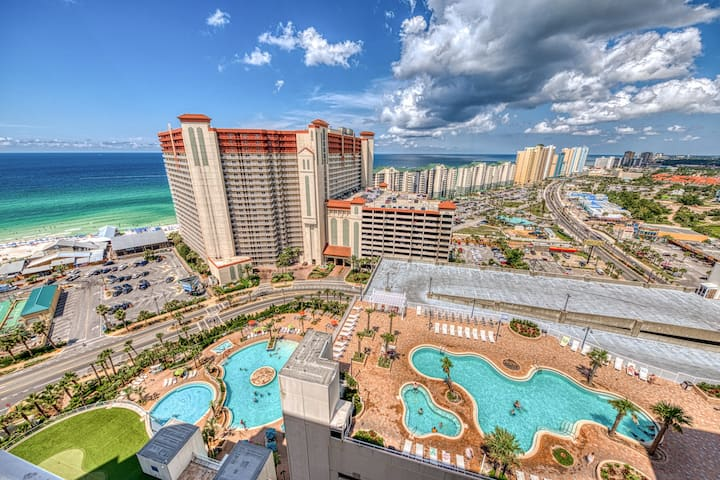 Resort condo w/ five shared pools, a hot tub, beach access, & on-site dining