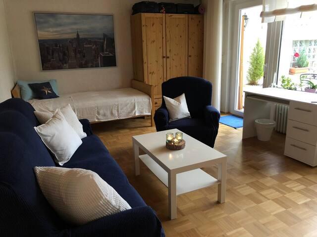 25 qm Wohnzimmer mit 2 Einzelbetten