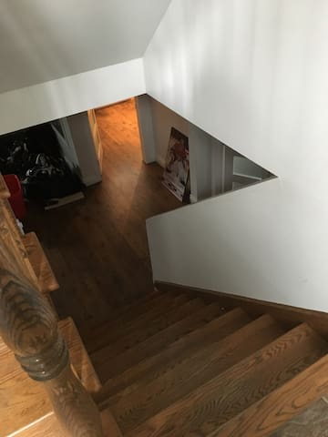 staircase to basement from side door