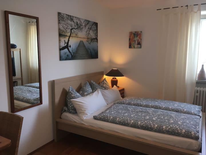 Kleine Wohnung mit Bad und Küche