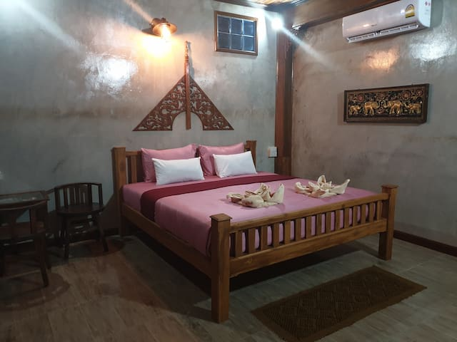 Kanecha's Home Lampang (Deluxe King Room)