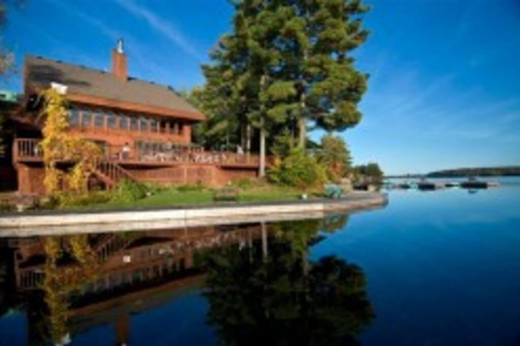 Inn from the lake, boardwalk