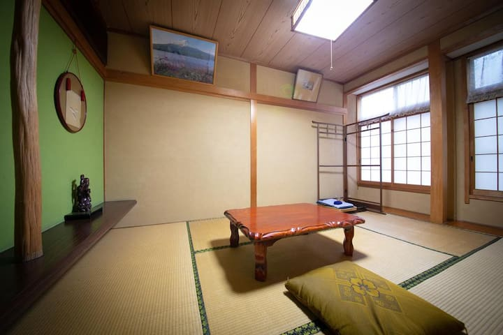Japanese-style room No. 16 Twin room
