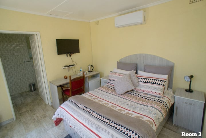 Cycad lodge private room 3