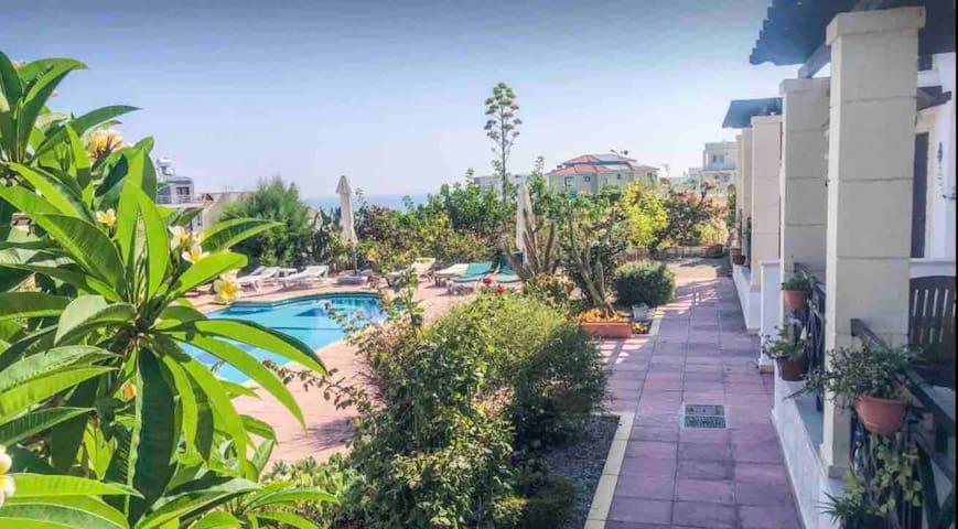 Peacuful Holiday Home w/Pool