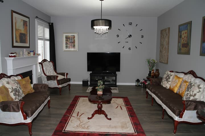 Gorgeous & Affordable :  GuestHouse  Room (Isa)