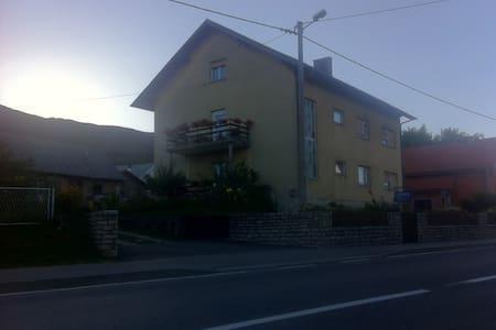HOUSE ORLIĆ - APARTMENT - Korenica
