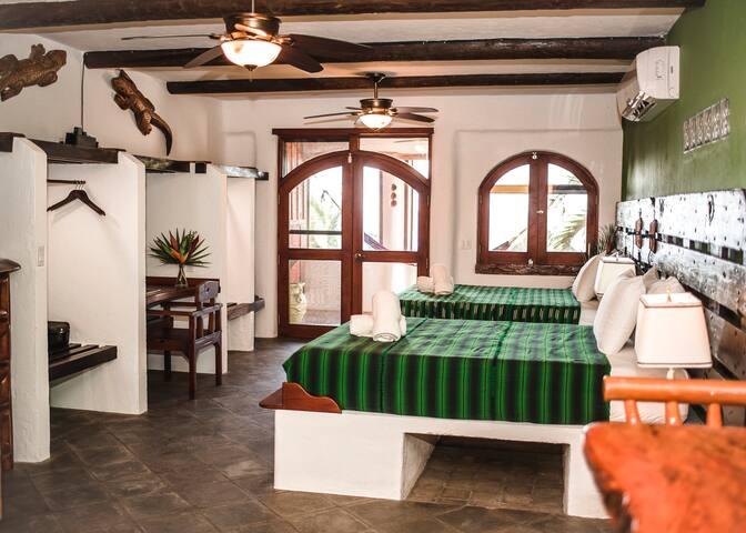 Gecko-Tranquilseas Eco-Lodge & Dive