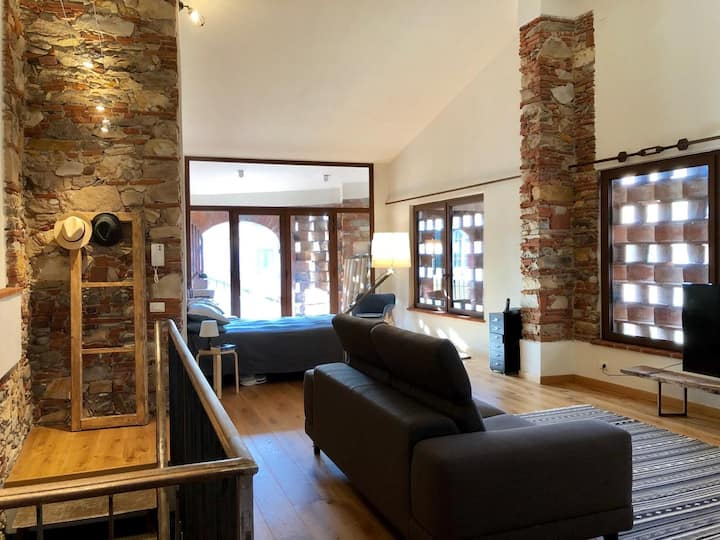 Old stable transformed into charming Loft!