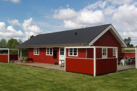 Dejligt sommerhus ved Limfjorden - Storvorde