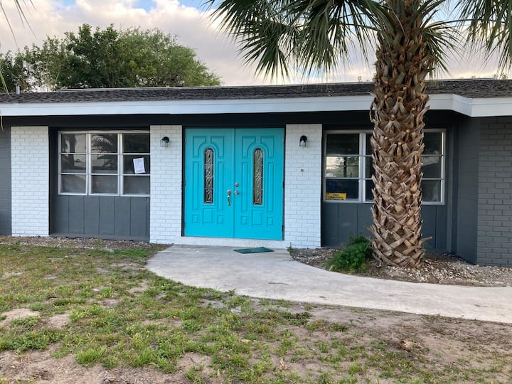 4/2 canal home fully remodeled fencedyardonsides