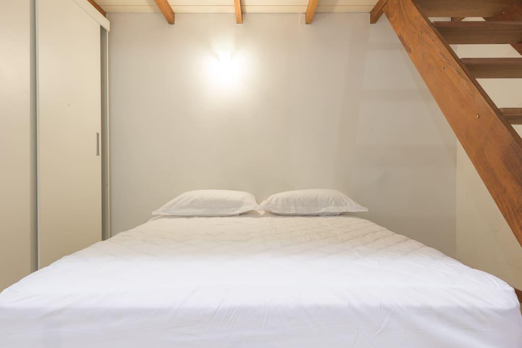 Super Comfortable Bed. Cama Bem Confortável.