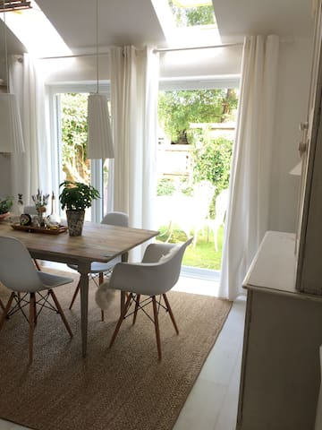 Contemporary and Cosy Home Only in July 2017 - Yarnton - House