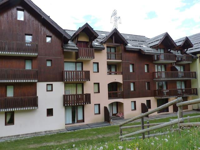 Beau duplex face à la montagne - La Salle-les-Alpes - Apto. en complejo residencial