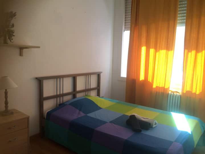 Luminosa stanza in Zona Mambo