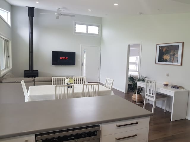 Boambee Valley 3Bd House, near Int. Sports Stadium