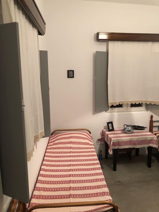 Κρεβατοκάμαρα 1 - Bedroom 1