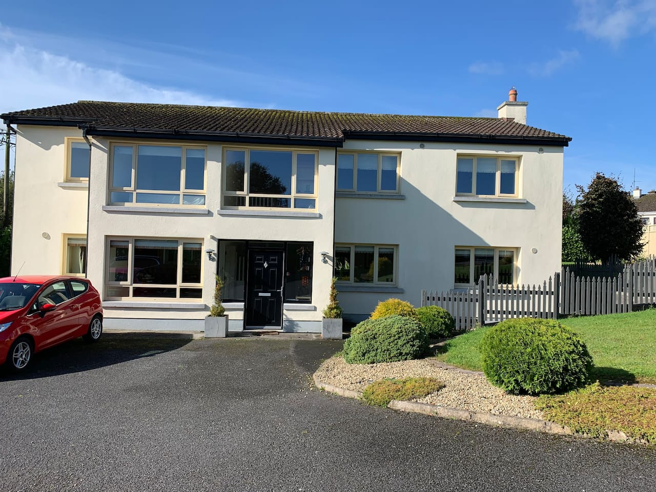 Sancta Maria just 5 minutes stroll from Moate town,set in a quiet and private location.