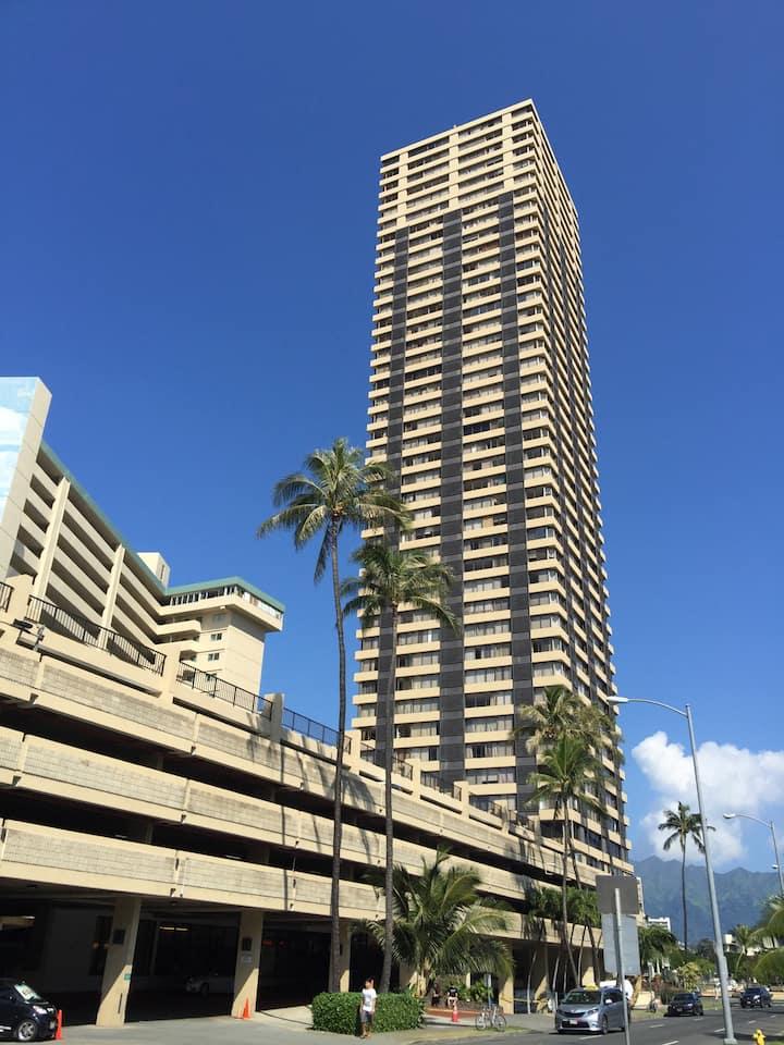 38F Studio A @ the Hawaiian Monarch