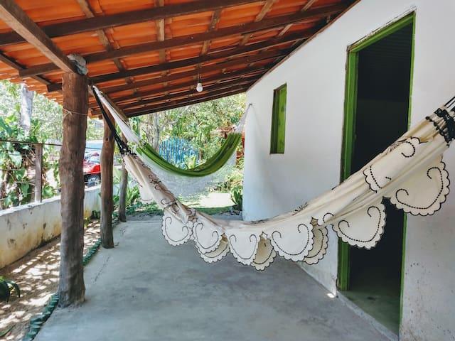 Redes na varanda do Chalé, perfeito para descansar.