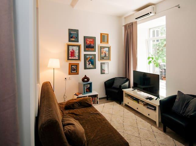 Modern designer flat in the city centre