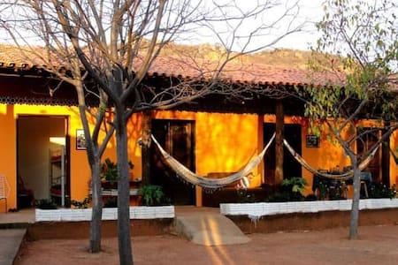 Suíte com ar e café da manhã  na Serra da Capivara